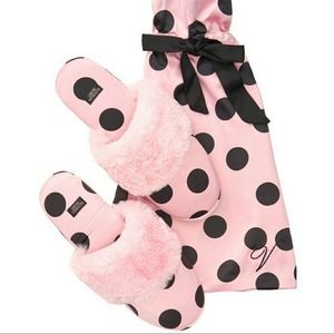 NWT Victoria Secret Pink Polka Dot Slippers